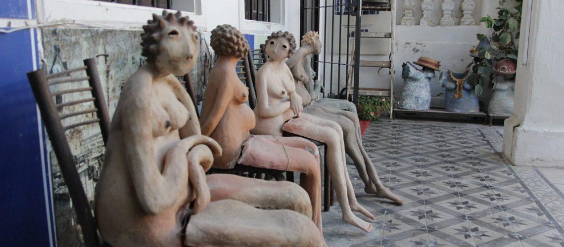 פסליה של לאה מג'רו מינץ בבית רוקח בנווה צדק